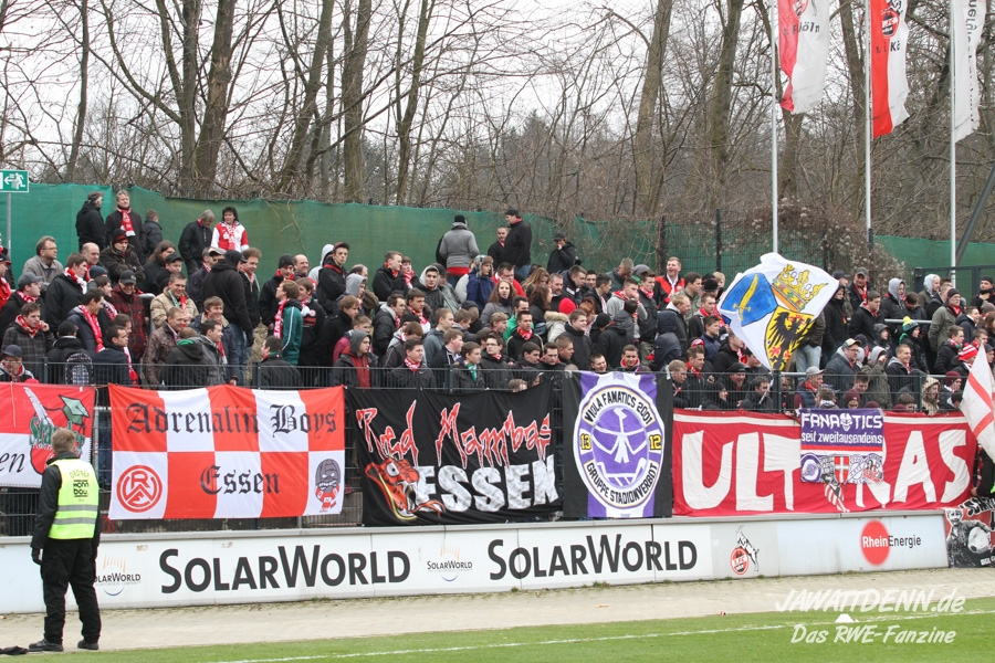 Gästeblock Franz-Kremer-Stadion